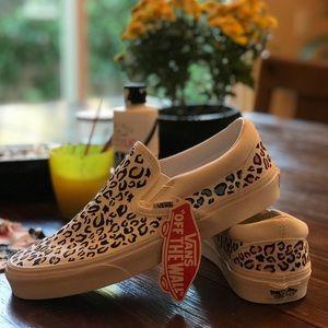 🎨Custom Handmade Colorful Cheetah Vans🎨